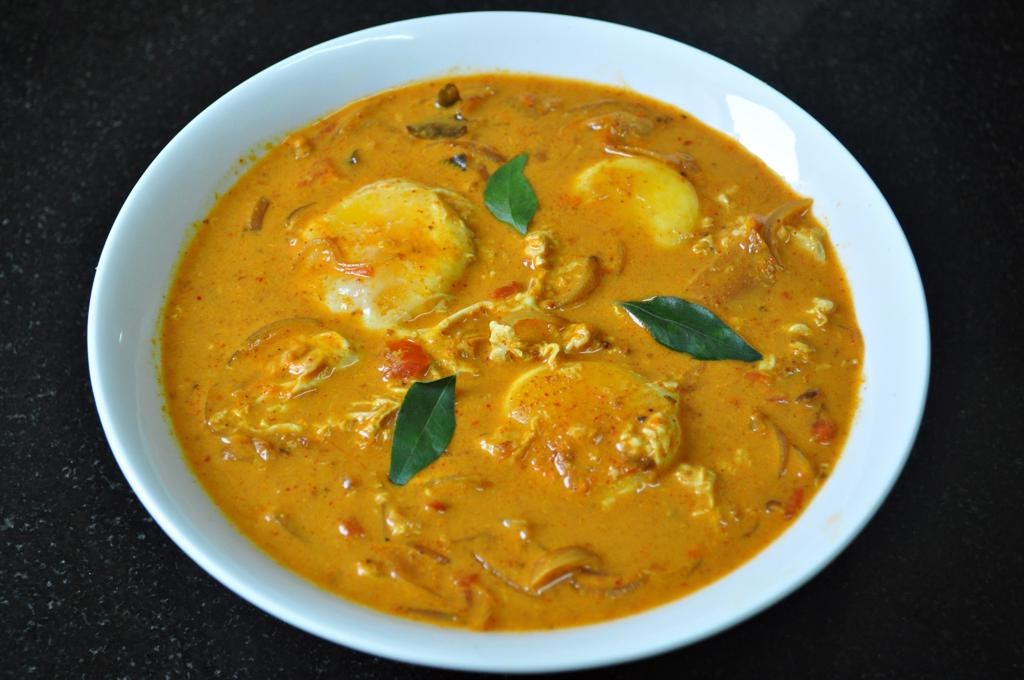 Poached egg curry recipe easy peasy recipes food blog poached egg curry forumfinder Images