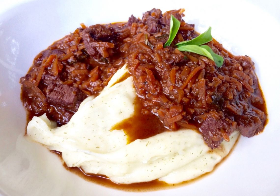 Beef in Red Wine Sauce Recipe